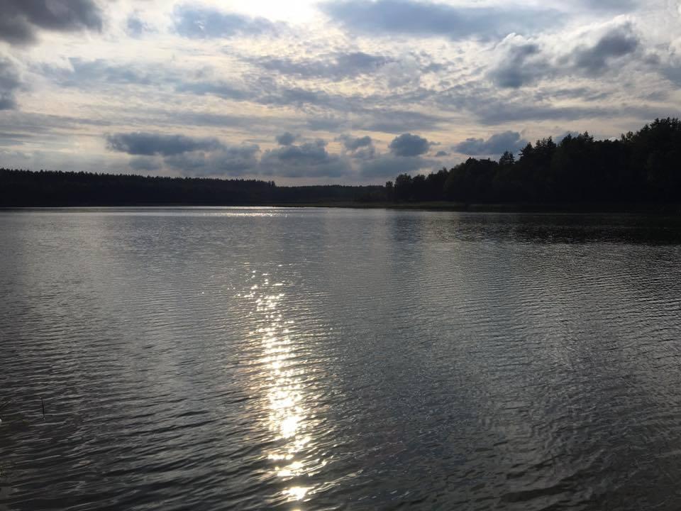 https://m.powiatszczycienski.pl/2016/08/orig/jezioro-zdrozno-6781.jpg