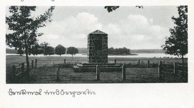 Sasek Mały - pomnik plebiscytowy (ze zbiorów Witolda Olbrysia)